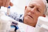 La polifarmacia en el paciente anciano: Una revisión del control glucémico en adultos mayores con diabetes tipo 2