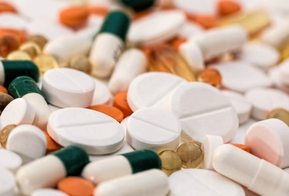 Farmacéuticas, a reportar pagos que hacen a médicos, pacientes y periodistas
