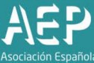 REACCIONES ADVERSAS A LAS VACUNAS (AEP/ ESPAÑA)